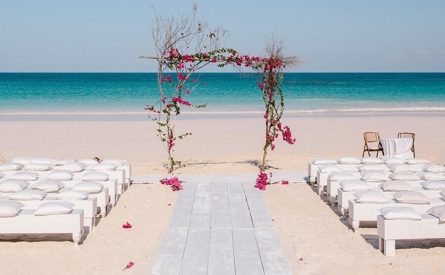 Veja o que é Preciso Saber para Organizar Casamento na Praia (Foto: internet)